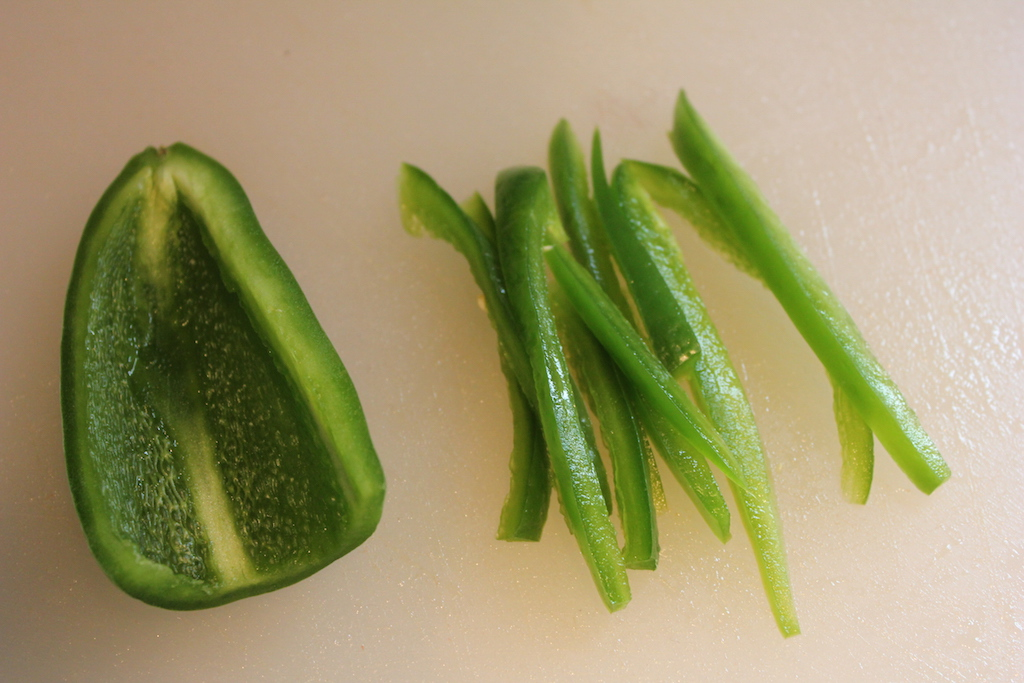 how to properly cut a jalapeno