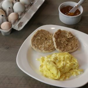 Scrambled Eggs with and without dairy